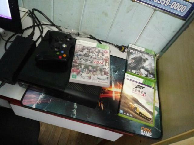 Vendo Xbox 360 e 3 jogos ou troco no PS4