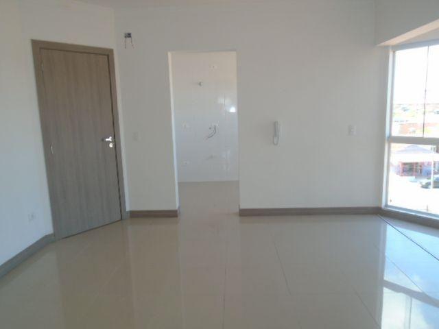 Apartamento 3 dormitórios sendo 1 Suíte no Jardim Cruzeiro em São José dos Pinhais - Foto 2