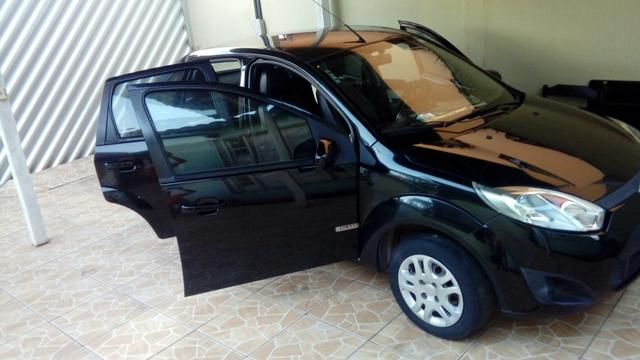 Fiesta Sedan 1.6 zetec rocan