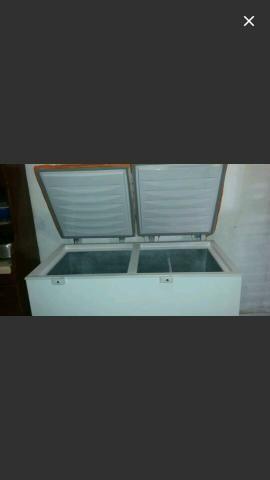 Vendo frizer 500Litro gela muito
