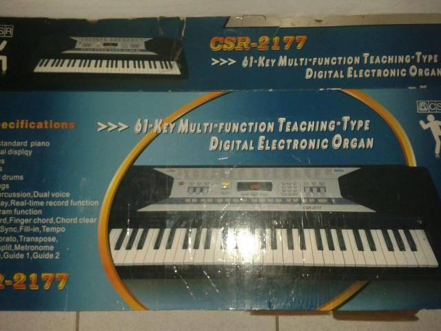 Promoçao Vendo ou troco por algo teclado csr2177 seminovo na caixa zap 988274029