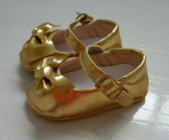Sapato dourado para bebê número 15