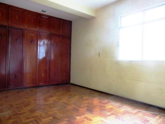 Casa ampla c/ habitese no p. eustáquio, próx. a nino. 04 vgs livres, 04 qts, 03 banhos. - Foto 11