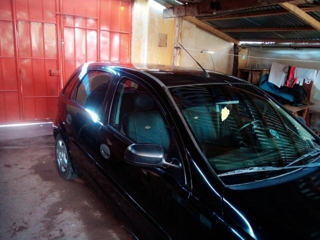 Corsa Hatch 4 portas 1.4 flex negro - Foto 9