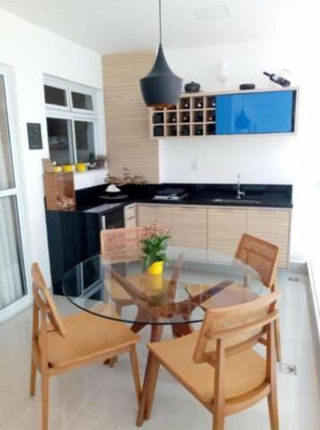 Murano Imobiliária aluga apartamento de 3 mobiliado quartos na Praia da Costa, Vila Velha