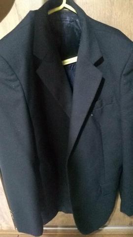Vende-se: 2 Blazers ( Preto e Cinza ) , 1 Terno + 2 duas gravatas - Foto 2