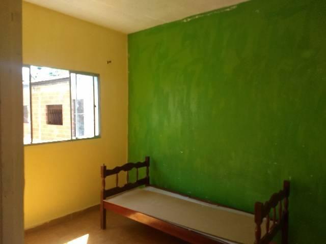 Alugo casa ou kitnet em Nova Almeida