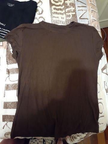 Camiseta manga curta básica marrom