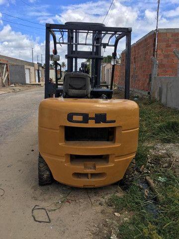 Empilhadeira 5T, à Diesel, marca CHL. Para venda ou Locação - Foto 3