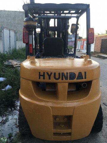 Empilhadeira 5T, á Diesel, Hyundai. Para Venda ou Locação - Foto 4