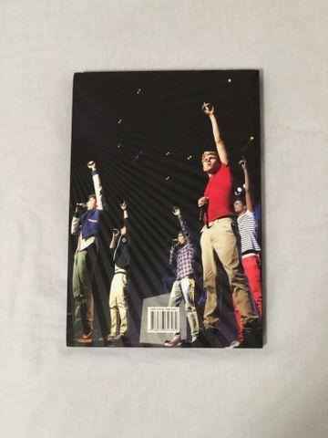 Livro Biografia do One Direction - Foto 3