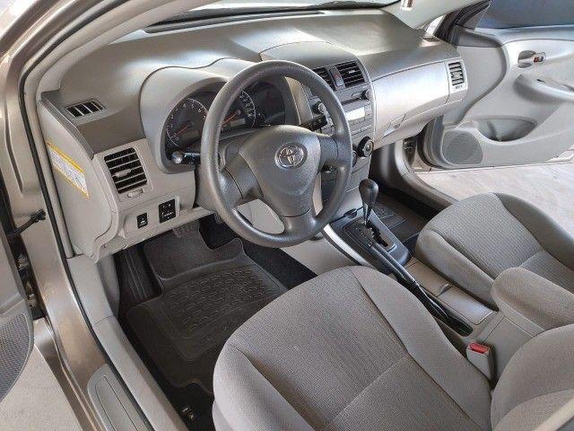 Corola  1.6 Automático  2009  ótima conservação  - Foto 9