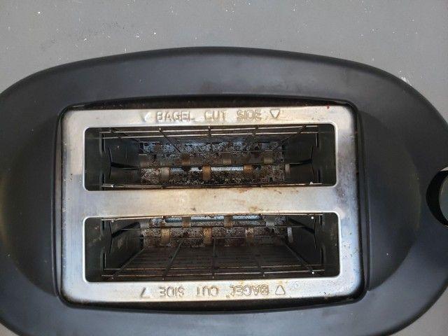 Torradeira portátil West Bend (importada) 110V - Foto 3