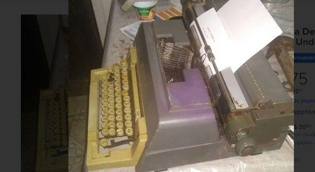 Antiguidade Decoração Maquina de escrever Antiga - Foto 4