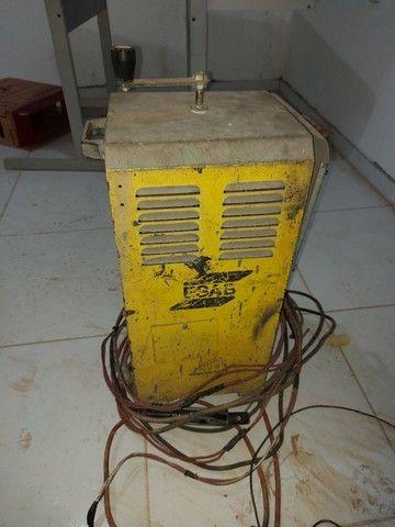 Máquina de solda elétrica Bantam 250.