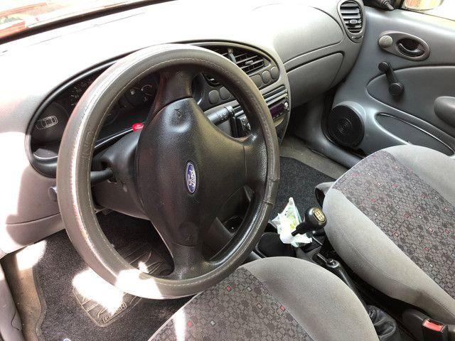 Fiesta 2001 GNV básico R$4.500k REPASSE - Foto 6
