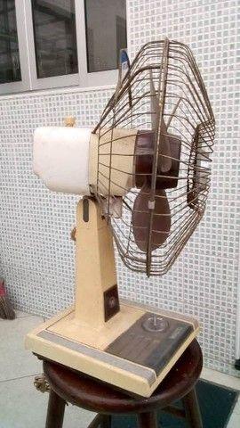 Ventilador antigo funcionando... - Foto 5