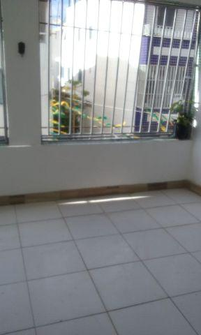 Aluga se casa 2 qrto sala coxinha banheiro varanda e area de servico peeto do aeroclube