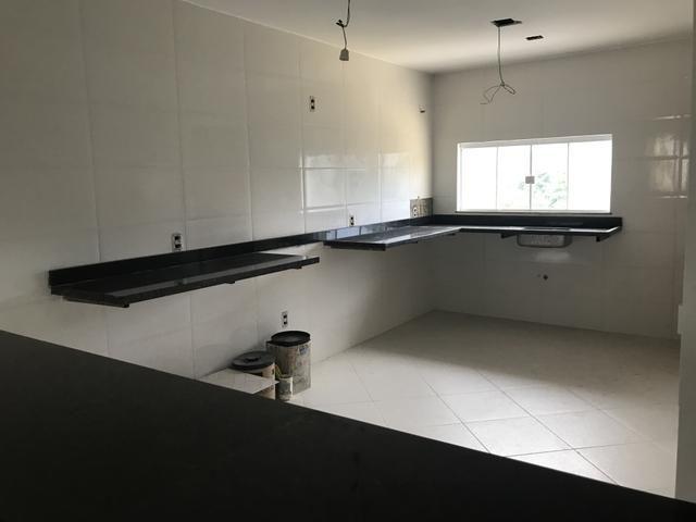 Excelente casa de 1ª locação c 4 suítes Condomínio fechado na Taquara
