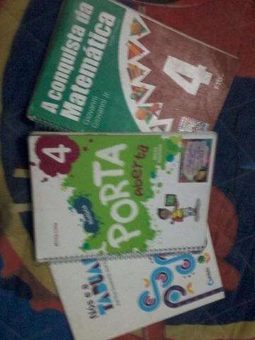 Vendo livros do 4* ano