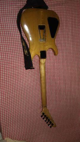 Guitarra Hammer Califórniana