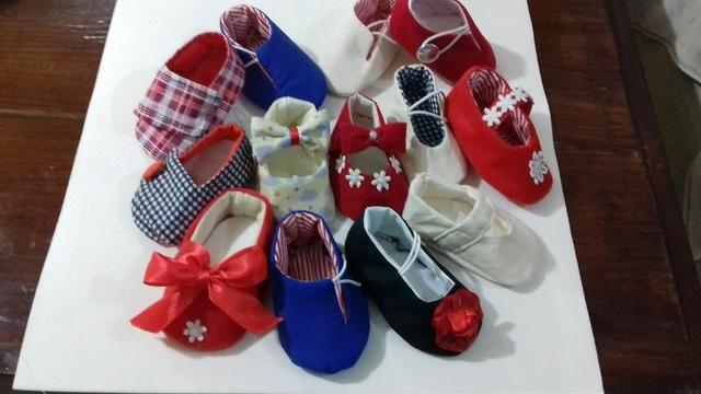 Sapatinhos de tecido artesanais. Bebê até 18 meses