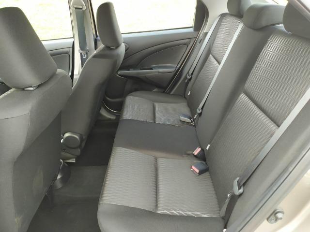 Etios Sedan X 2019 automático - Foto 13