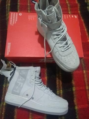 buy popular c34e6 3bdde Tênis Nike Air Force 1 MID SUEDE Exclusivo tam.39
