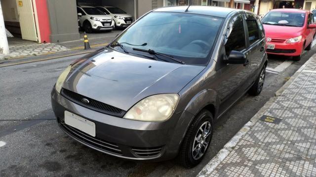 Fiesta 1.0 2004 + acessórios (carro completo)