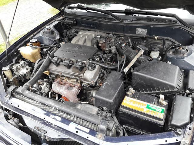 Toyota Camry com teto SOLAR troco - Foto 2