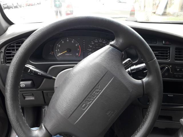 Toyota Camry com teto SOLAR troco - Foto 5
