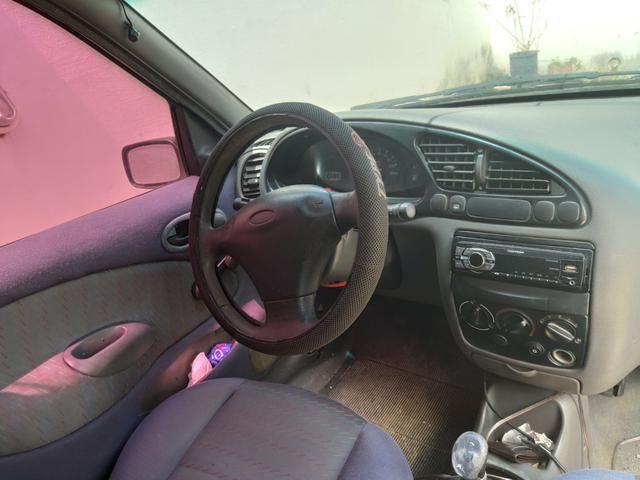 Ford Fiesta 2001 - Foto 6