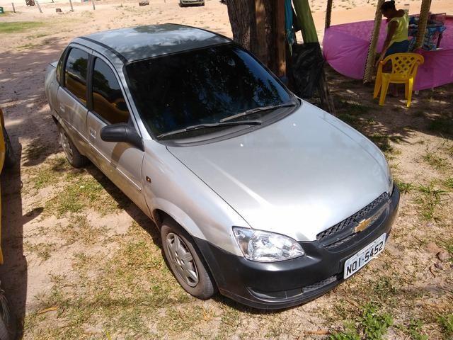 Vendo esse carro Chevrolet classic - Foto 2