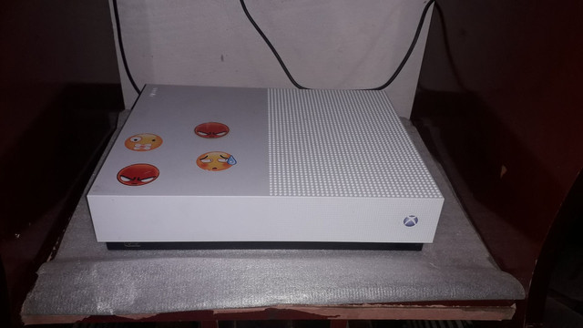 Xbox one s all digital 1tb 4k