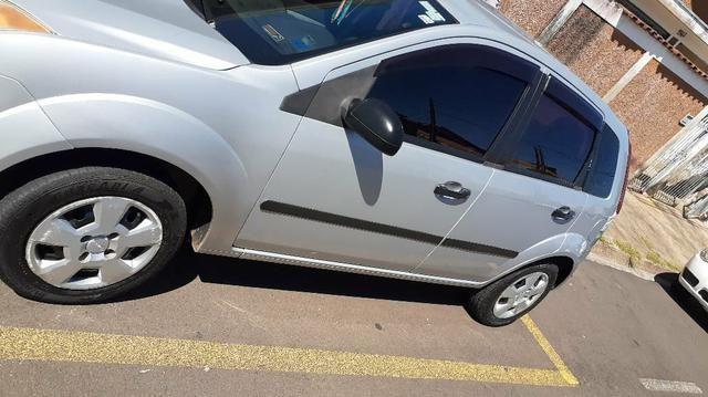 Ford Fiesta 2008 - Foto 4