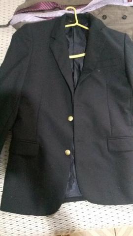 Vende-se: 2 Blazers ( Preto e Cinza ) , 1 Terno + 2 duas gravatas - Foto 4