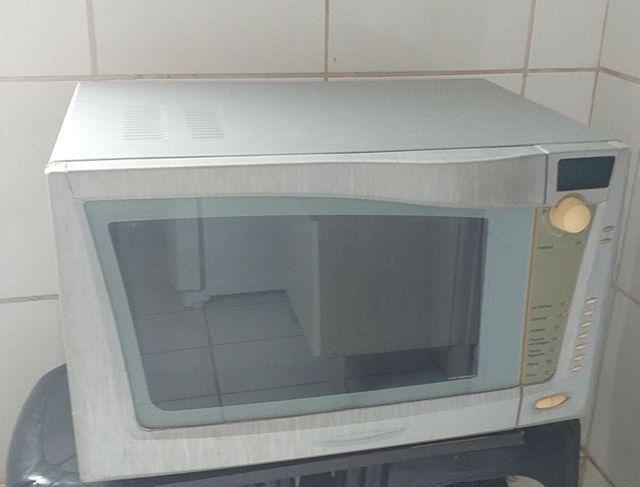 Microondas BRASTEMP 32 Litros