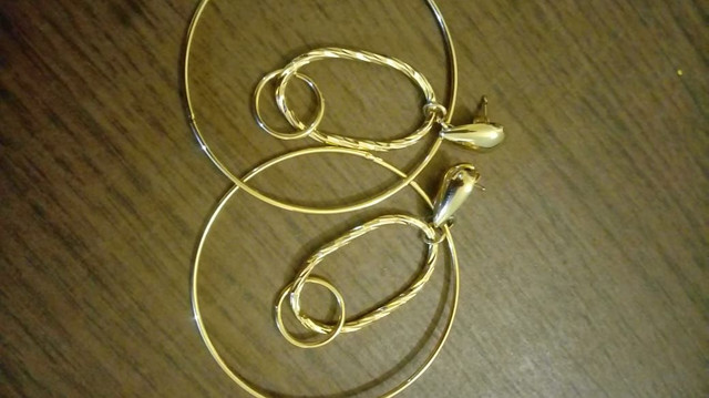 Brincos Banhado a Ouro Por: R$ 35,00 Reais - Foto 4