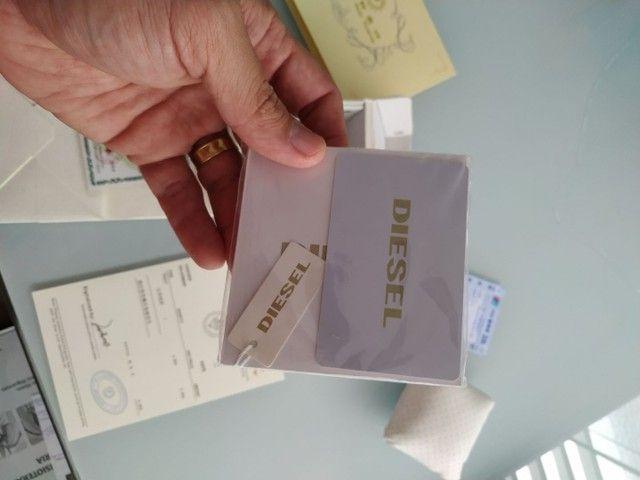 Vendo caixa, documentos e acessórios do relógio Diesel. - Foto 5