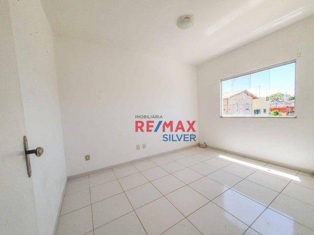 Apartamento com 3 Quartos em Itapuã - - Foto 4