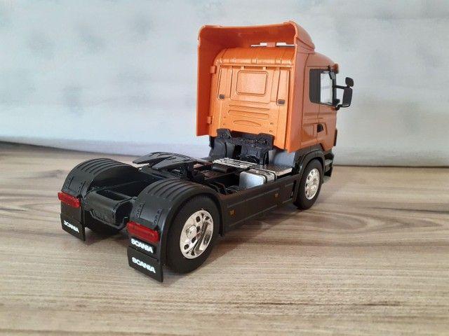 Miniatura caminhão scania R470 metal 1:32 - Foto 2