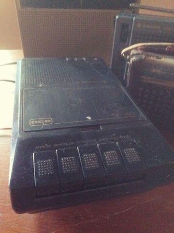 Lote de radios e gravador antigo, 4 peças  - Foto 4