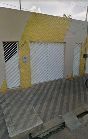 Alugo casa na Avenida Ailton Gomes - Bairro Lagoa Seca.