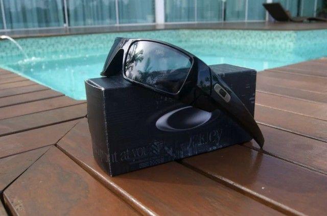 Óculos De Sol Oakley Gascan 03-471 preto brilho novo original