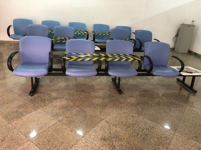 Cadeira longarina para estabelecimento comercial - Foto 2