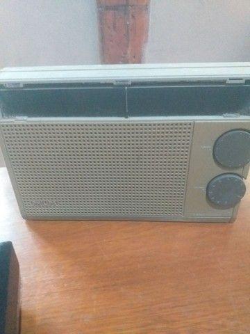 Lote de radios e gravador antigo, 4 peças  - Foto 2
