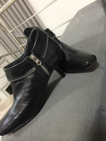 Sapato seminovo tamanho 37