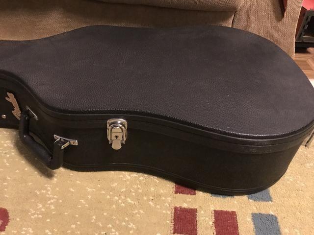 Case para violão Fender