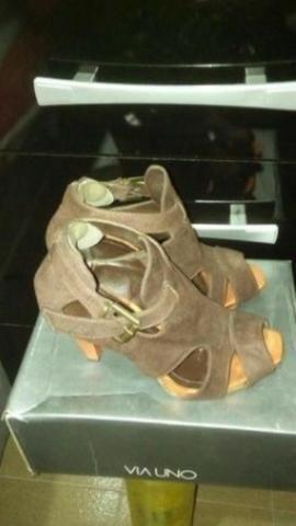 Sandália de salto alto marrom nº 37 Via Uno
