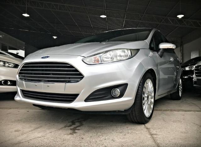 Ford Fiesta Titanium 1.6 . Prata. 2013/2014 - Foto 2